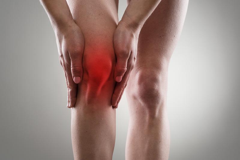 Enyhíti a térdízület sürgős duzzanatát artrózissal