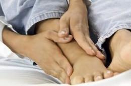 hát- és térdfájdalom térdbetegség tünetei