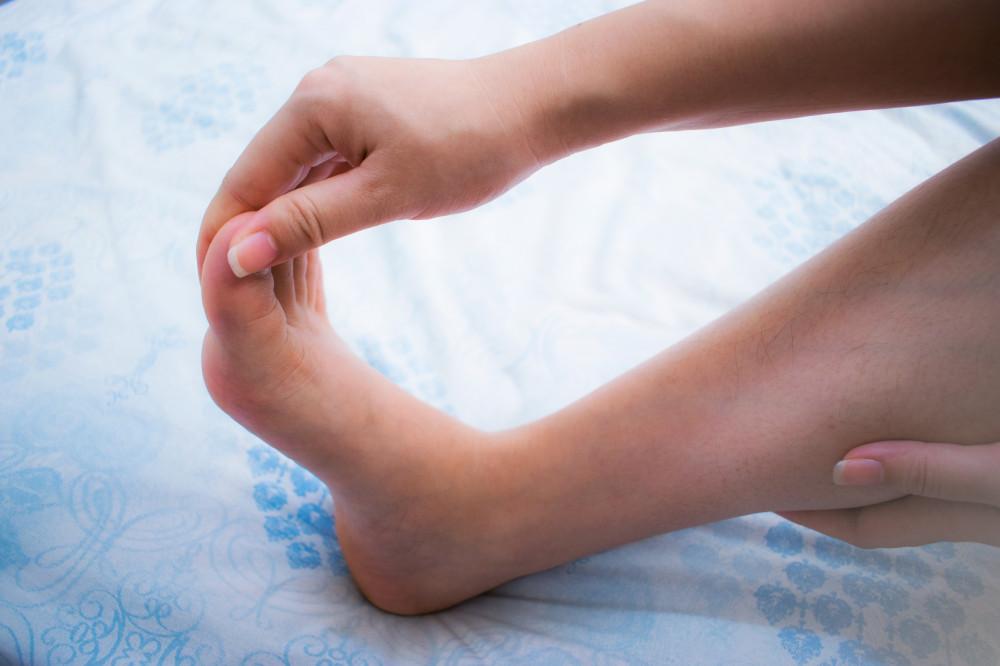 lábujj zsibbadás okai