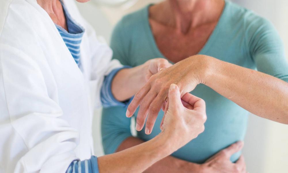 csípőfájdalom és sclerosis multiplex ízületi funkciók helyreállítása