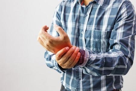 a kezek ízületeinek duzzanata közös gyógyszer ausztriából