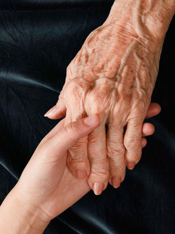 kalen együttes kezelése fájdalom a kéz kezének ízületeiben