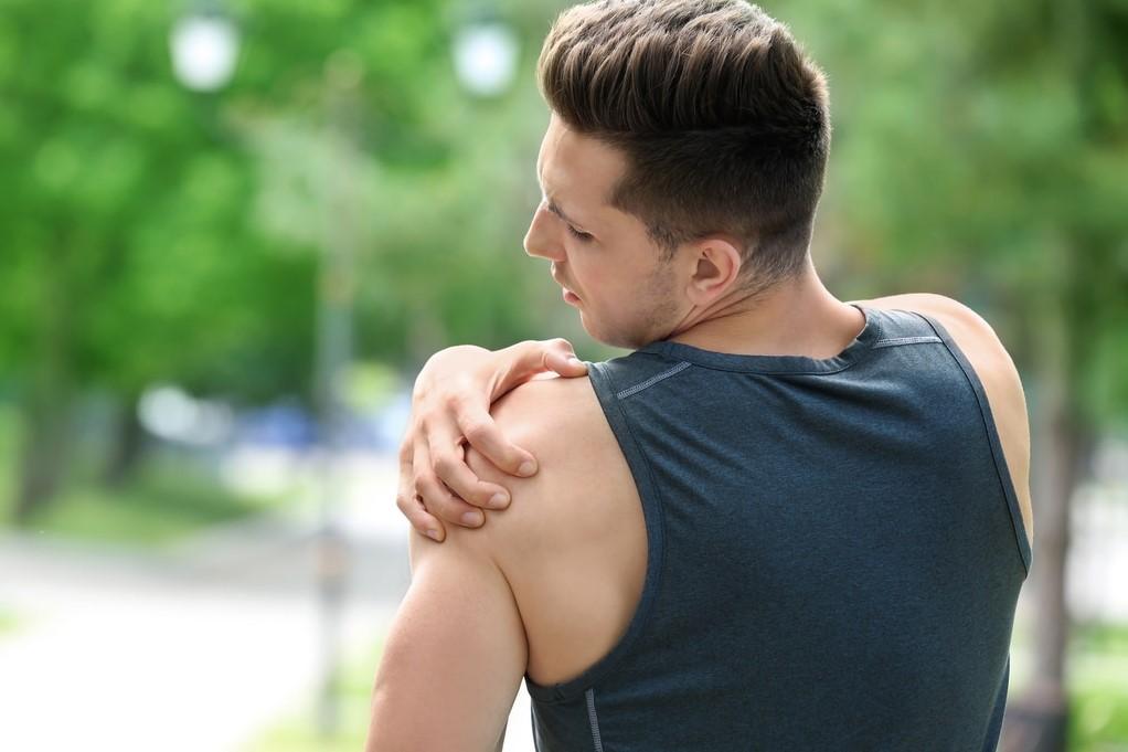fájdalom az alkarban és a vállízületben az alsó végtagok ízületeinek betegségei
