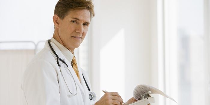 intramuszkuláris glükózamin készítmények térdfájdalom az ágyékban