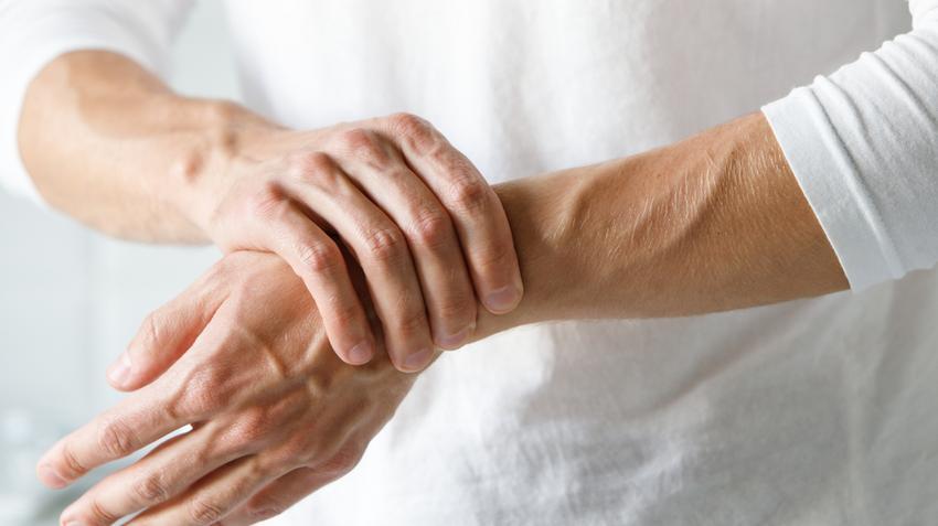 ízületi kezelés 2 év lüktető fájdalom a nagy lábujj ízületében