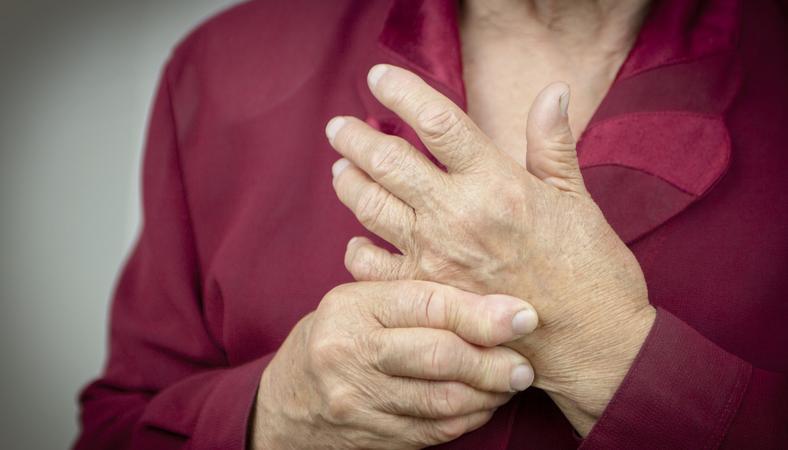 ízületi fájdalom varázslatok hogyan lehet megkülönböztetni az ízületi fájdalmakat az izomfájdalmaktól