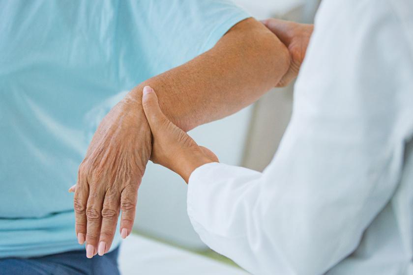 ízületi betegség és máj duzzanat ízület a láb kezelése