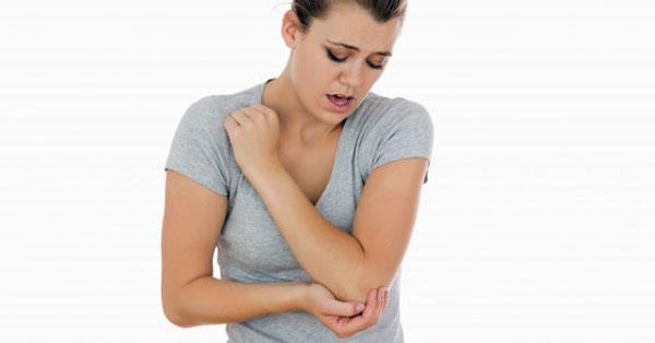 az ujj ízülete egy stroke után fáj