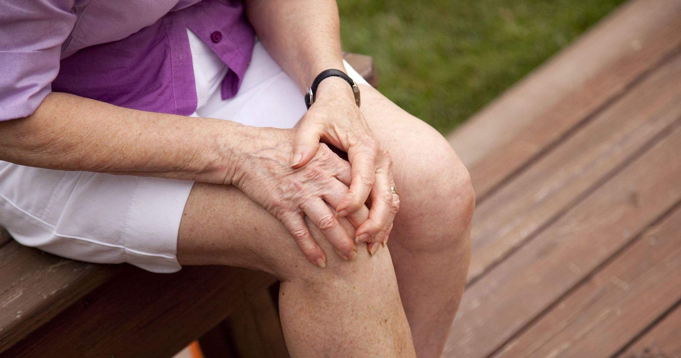 sarok ízületi betegségek csípőfájdalom, amikor ülsz
