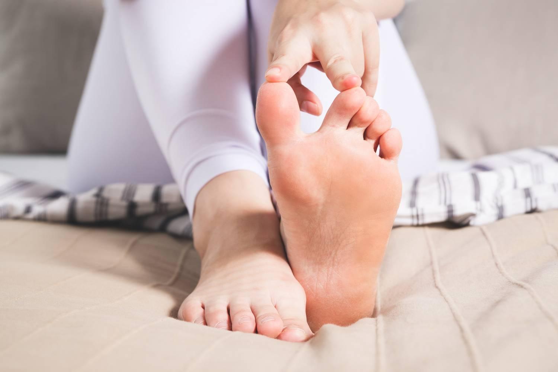 lüktető fájdalom a nagy lábujj ízületében glükózamin-kondroitin top 10